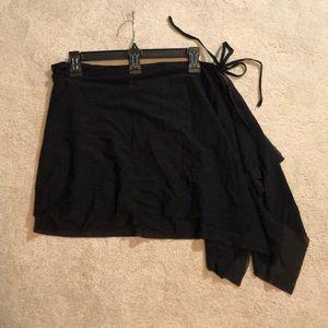 NWT La Blanca Black swim coverup wrap skirt small